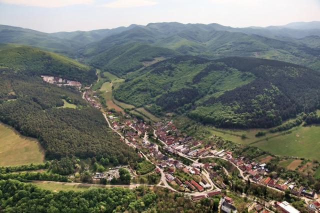 37 Letecký pohľad na obec