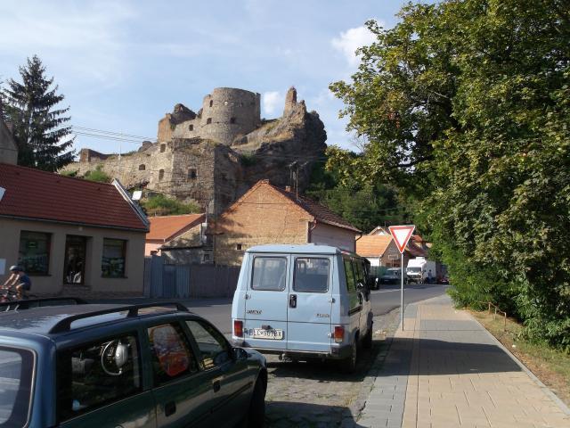 03 Pohľad na Fiľakovský hrad z mesta