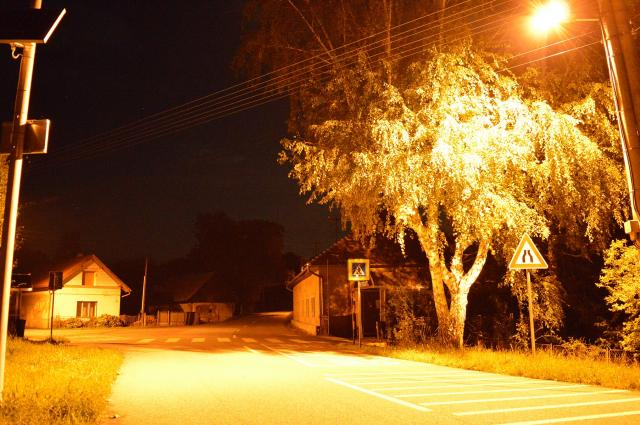 11 Obec v noci