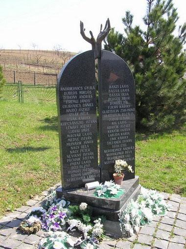 10 Pamätník obetiam II. svetovej vojny