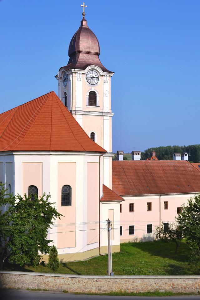 06 Kostol Korunovania Panny Márie a františkánsky kláštor