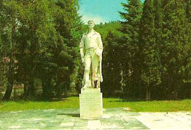 003 Pamätník padlým partizánom skupiny Čapajev