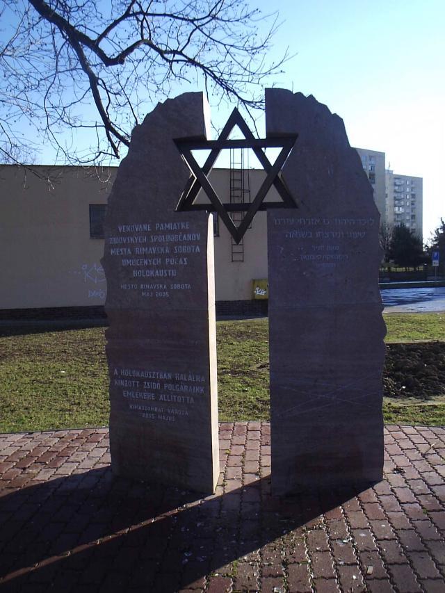 10 Pamätník obetiam holokaustu