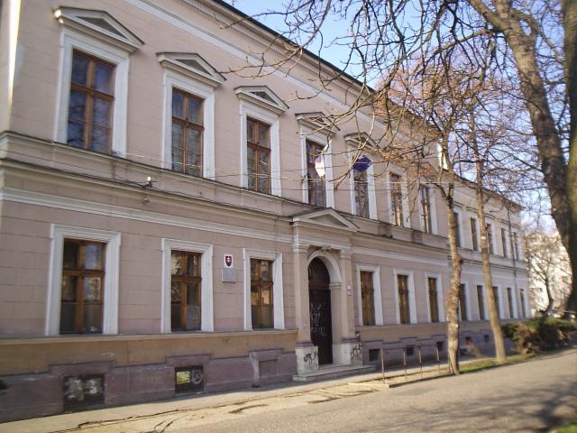11 Obchodná akadémia