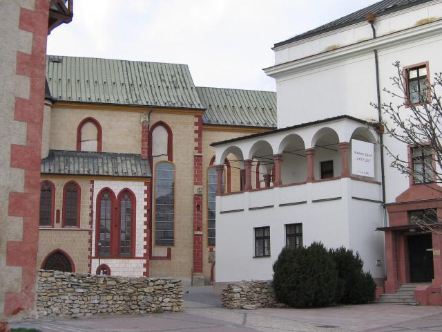 08 Kostol Nanebovzatia Panny Márie a galéria