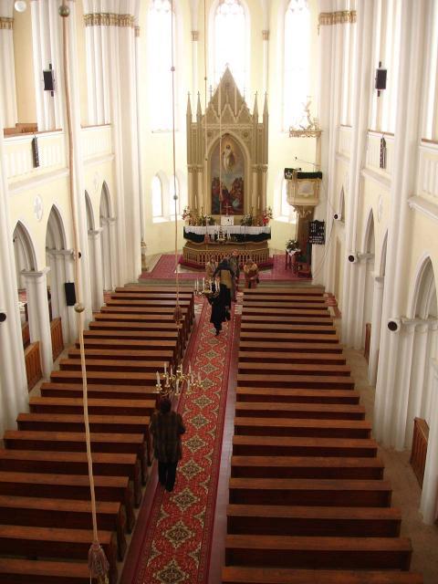 Interiér evanielického kostola augsburského vyznania