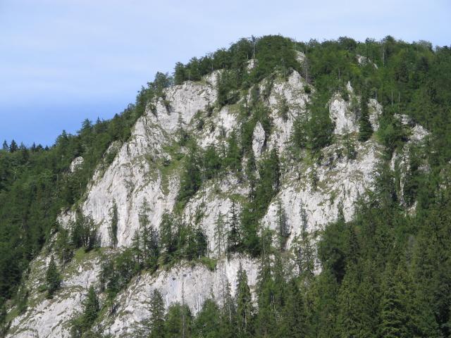 11 Vápencové skaly