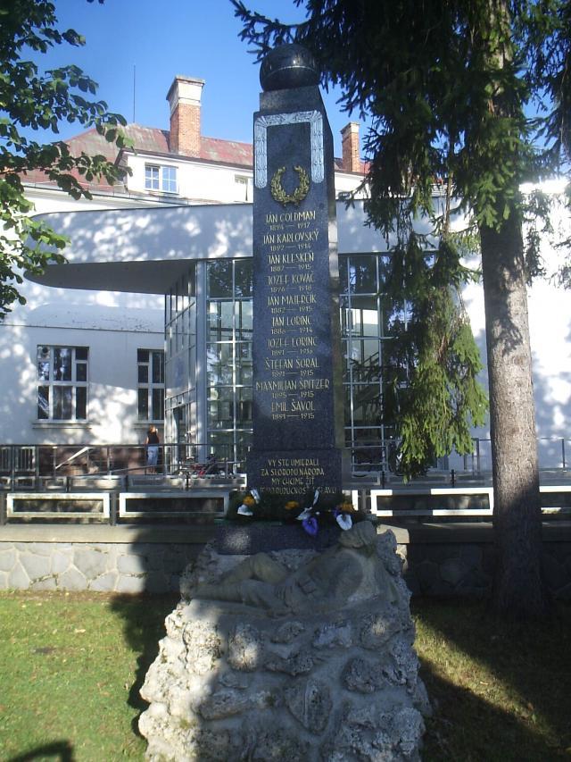 16 Pomník