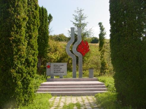 03 Pamätník
