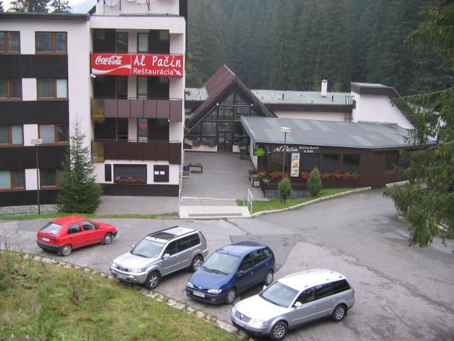 32 Záhradky, Hotel Ski