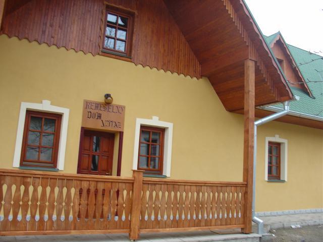 01 Remeselný dom