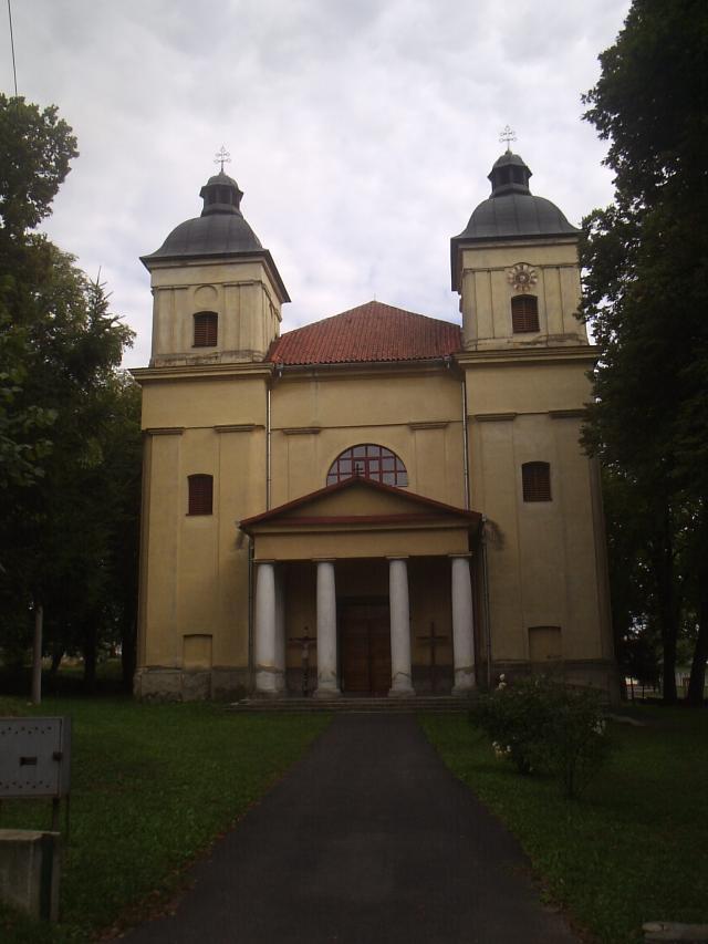 12 Rímskokatolícky kostol Nájdenia sv. kríža
