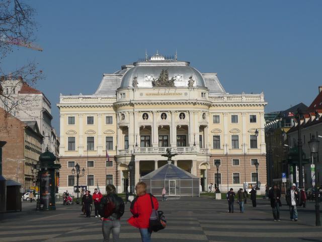 14 Slovenské národné divadlo