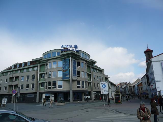 81 Budova Poisťovne Allianz na Huštáku