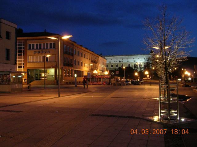 01 Námestie SNP-večerný pohľad