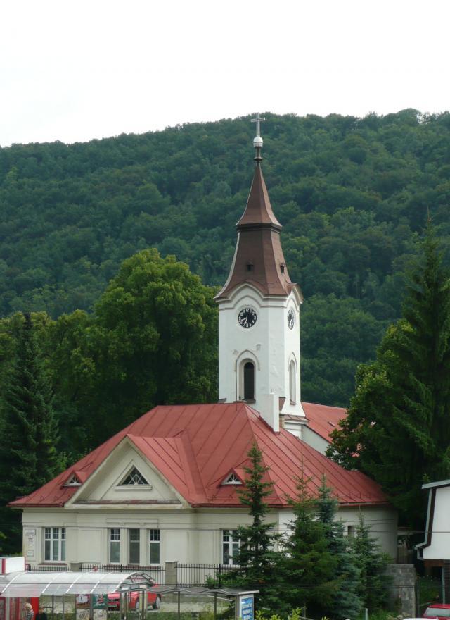 36 Evanjelický kostol v Radvani