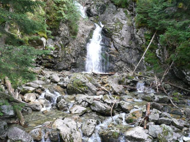 32 Kmeťov vodopád