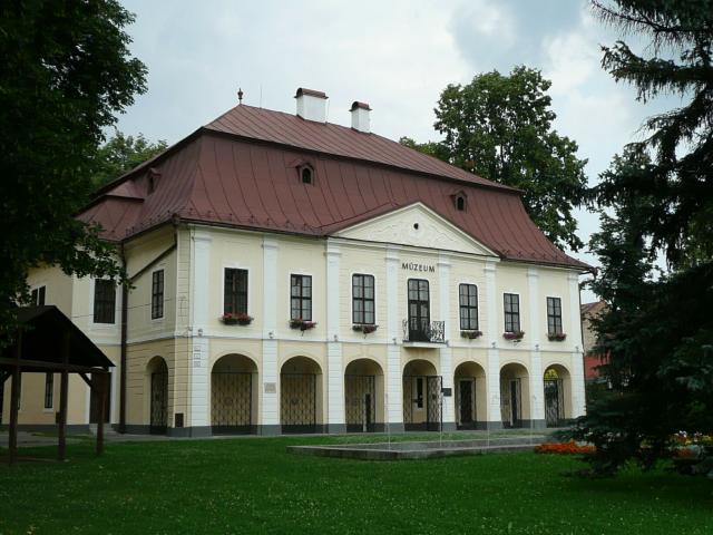 12 Múzeum
