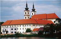 01 Kostol, kláštor