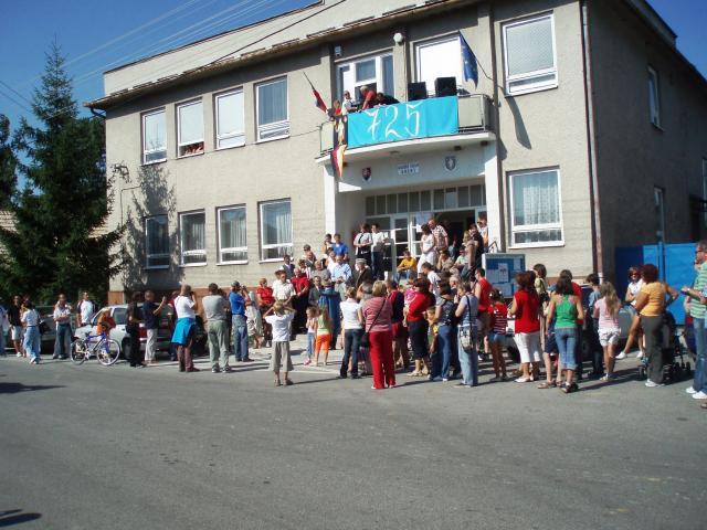 03 Zábery z osláv 725 výročia prvej písomnej zmienky o obci Brehy, ktoré sa konali 30.08.2008
