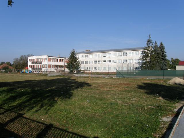 09 Základná a materská škola
