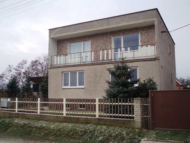 6e9fd50fe Čierne Kľačany - 04 Pohľad na rodinný dom Bačikových - Okres Zlaté ...