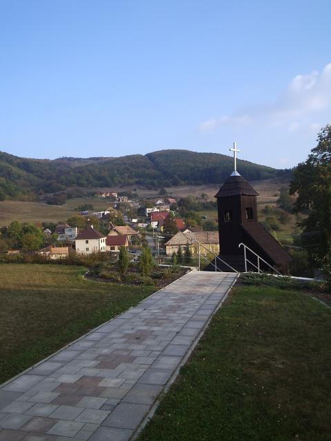 04 Drevená zvonica z r. 1868